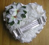 ARTIFICIAL CHRISTMAS WREATH FLOWERS HEART MEMORIAL GRAVE WHITE SILVER POINSETTIA
