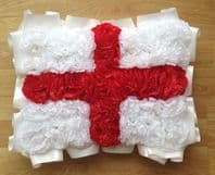ARTIFICIAL FUNERAL FLOWERS SILK WREATH MEMORIAL GRAVE ENGLAND FLAG RED WHITE
