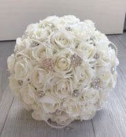 BRIDE VINTAGE BOUQUET BROOCH WEDDING IVORY FOAM ROSES FLOWERS PEARLS BROOCHES