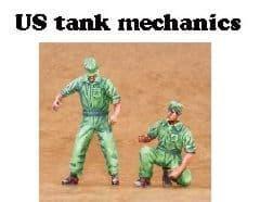 Czech Master 1/35 2 x US Tank mechanics. 1 standing and 1 kneeli