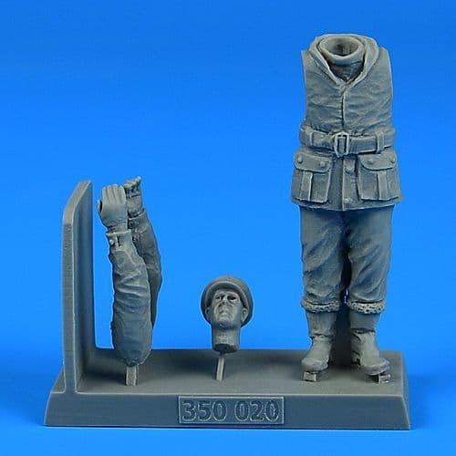 Aerobonus 1/35 British WWII Sailor for the British X-Craft Submarine # 350020