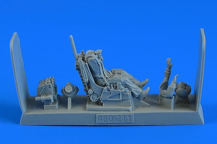 Aerobonus 1/48 Soviet Fighter Pilot with Ejection Seat for Sukhoi Su-27 Flanker (Early/Late Version)
