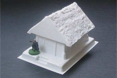 Amera Plastic Mouldings 28mm Wooden Thatched House # F222