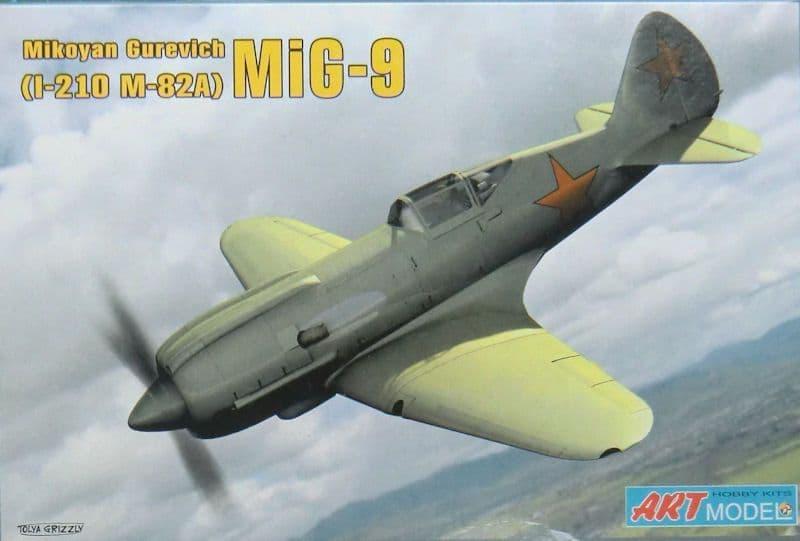 Art Model 1/72 Mikoyan Gurevich MiG-9 (I-210 M-82A) # 7207