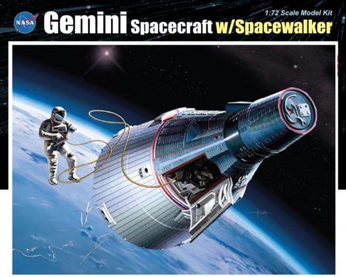 Dragon 1/72 Gemini Spacecraft with Spacewalker # 11013