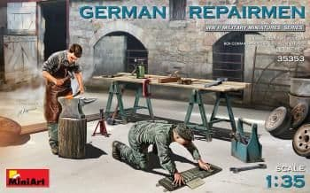 Miniart 1/35  German Repairmen # 35353