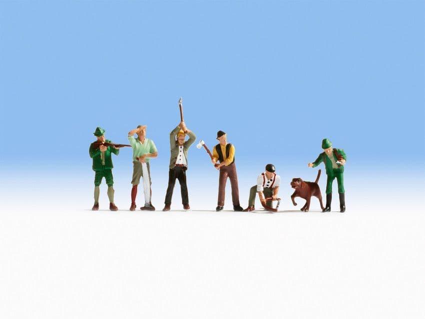 NOCH HO Scale Hunters, Lumberjacks & Dog (7) # N15060
