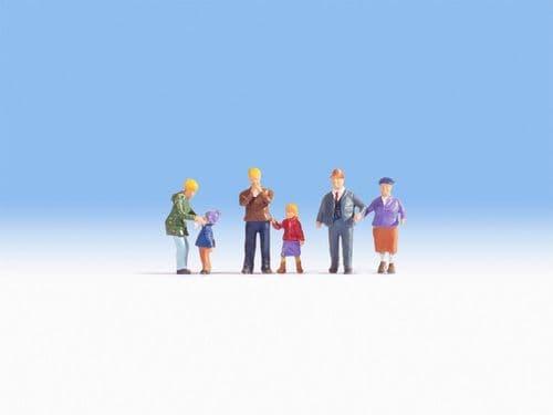 NOCH HO Scale The Meier Family In The Winter (6) Figure Set # N15930