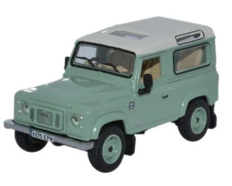Oxford 1/76 Land Rover Defender 90 Station Wagon Grasmere Green (Heritage) # 76LRDF007HE