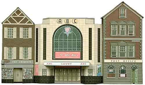 Superquick 1/72 Cinema, Post Office & Shop (C2) # 99052