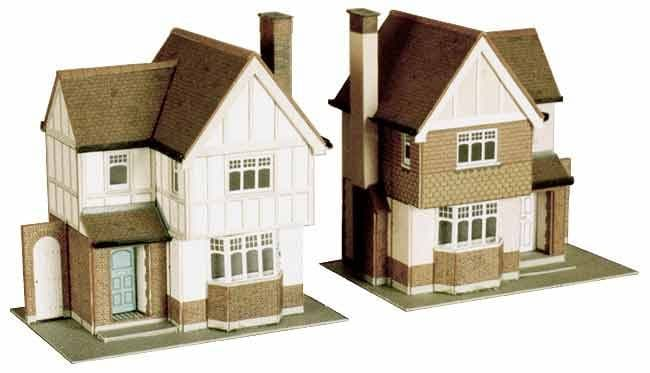 Superquick 1/72 Two Detached Houses (B23) # 99023