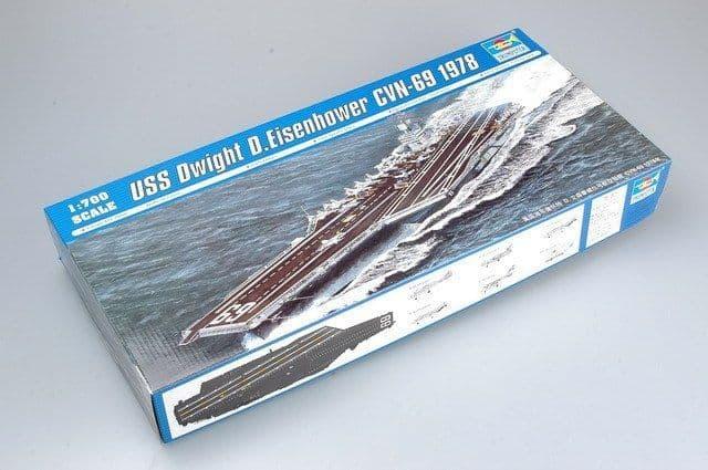 Trumpeter 1/700 USS Dwight D. Eisenhower CVN-69 1978 # 05753