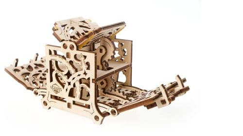 UGears Mechanical Model - Wooden Dice Keeper Device for Tabletop Games # 70072