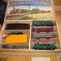 ETS 0-Gauge 2-Rail Train Set