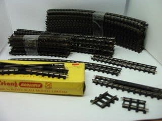 Triang Late Black Based Track