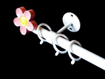 1.2m - 2m Childrens Extendable Ceiling Curtain Pole with PINK FLOWER Finials