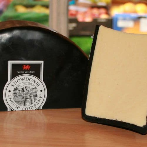 Snowdonia Cheese, Rich Welsh  Black Bomber Cheddar