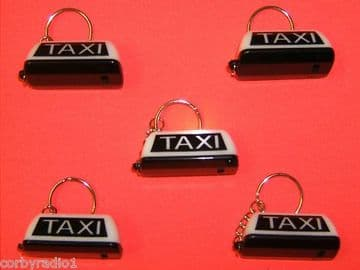 TAXI KEY RING WITH SWITCH TO ILLUMINATE TAXI  WHITE