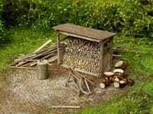 Model Scene 98516 Woodshed with Tools Kit Scale HO 1:87